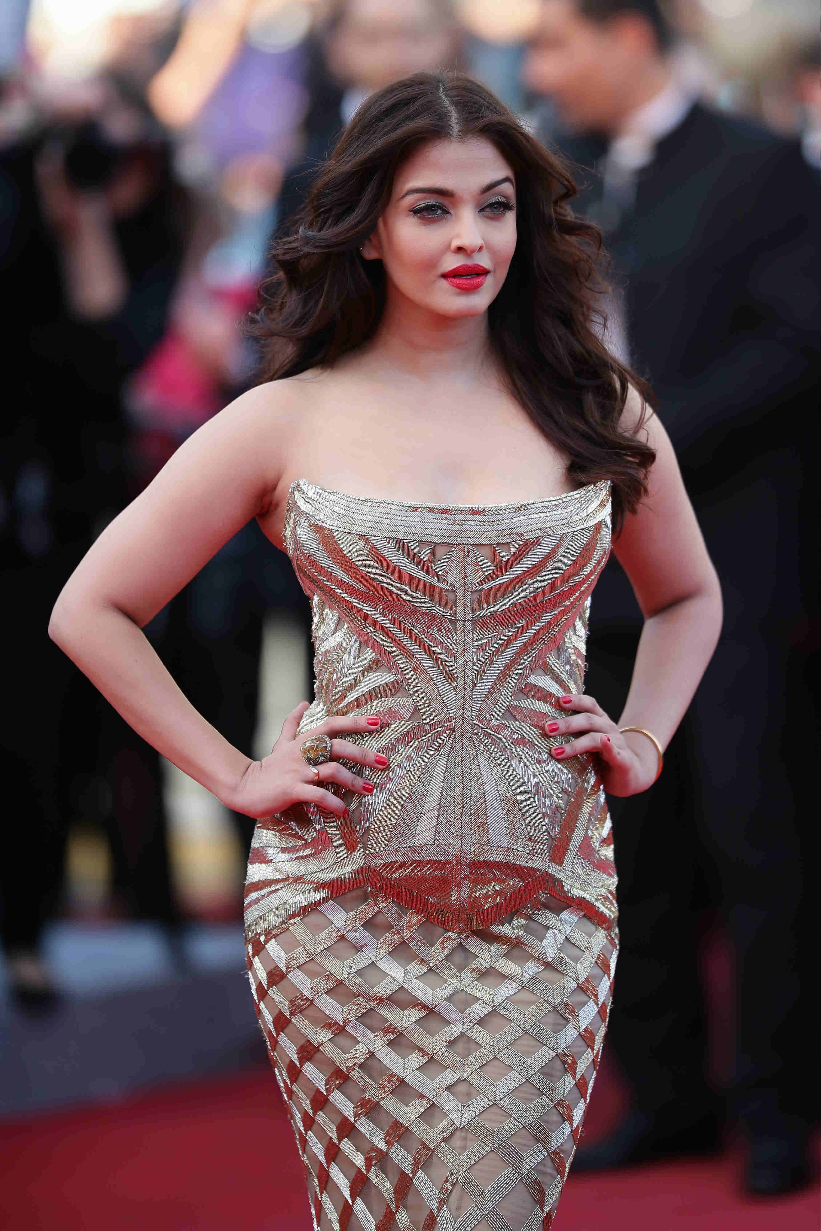 25 of aishwarya rai bachchan looks to chart the icons complete style post becoming the bachchan bahu geenschuldenfo Images
