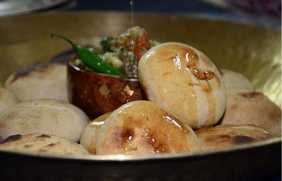 15 Yummy Street Food Of India Everyone Must Try 9