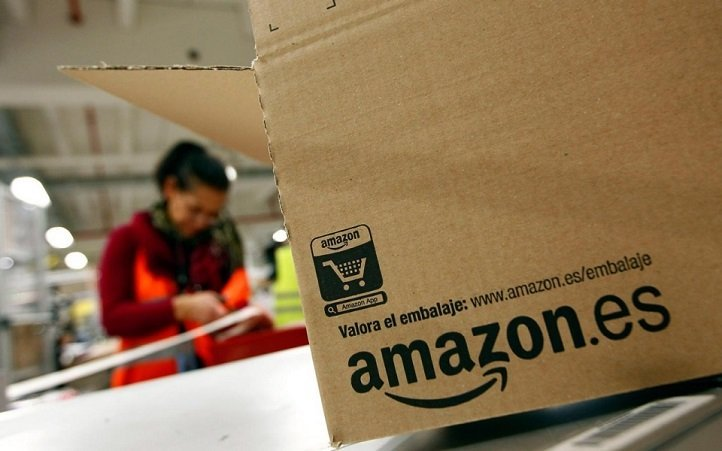 Amazon Employee Warns Interns To Stay The F**k Away, Posts