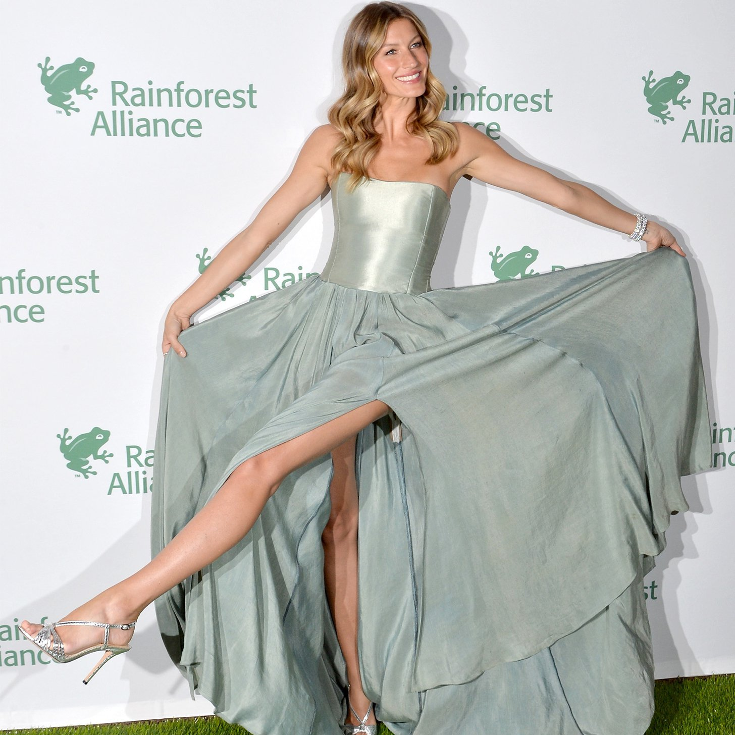 #VagabombPicks: Gisele Bundchen's Top 34 Looks Over the Years