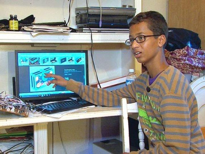 'Clock Boy' Ahmed Mohamed Demands $15 Million Compensation ...  Obama