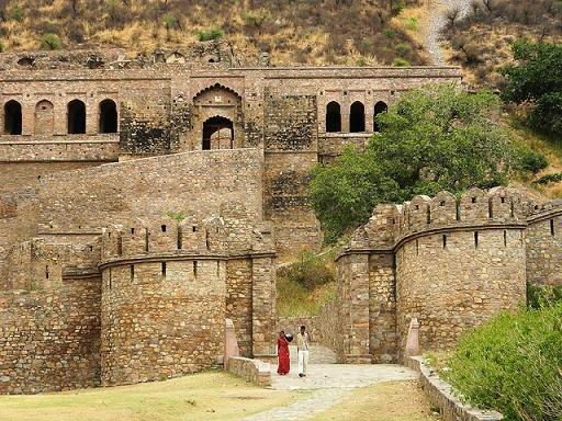 2012 Bhaangarh in hindi free download in torrent