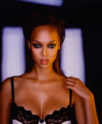 Tyra Banks On The Runway: 7 Wonderful Reasons Why Tyra Banks Is Unlike Any Other 90s