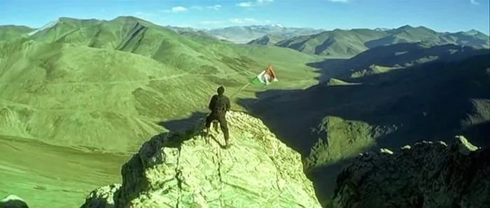 Hrithik roshan with indian flag in lakshya