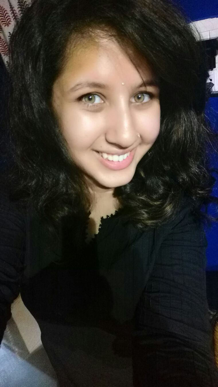 jhanak shukla sister name