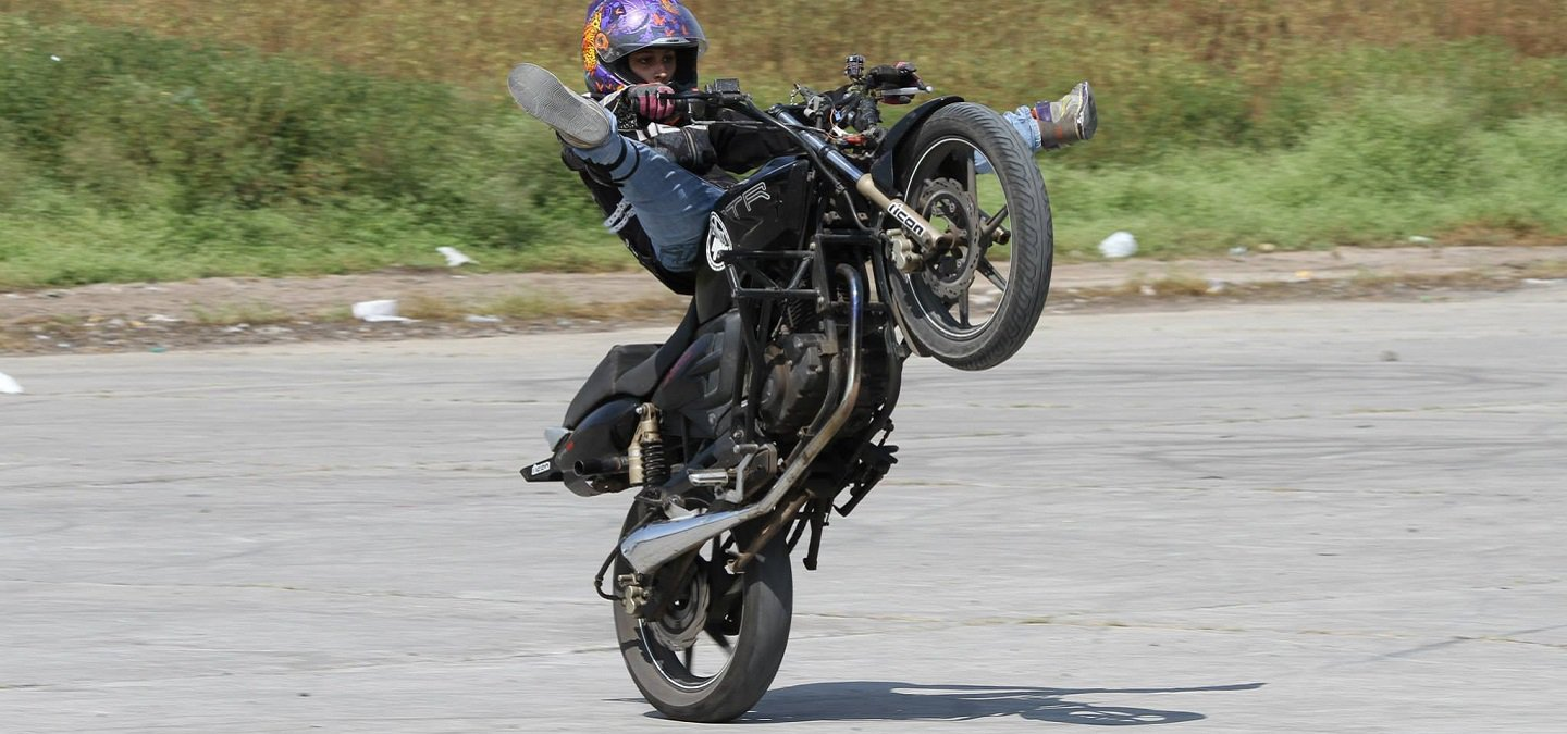 94371ad9fe1 This 21-Year-Old Is India s Youngest Female Stunt Rider   She s Scaled The  Khardung La Pass Twice