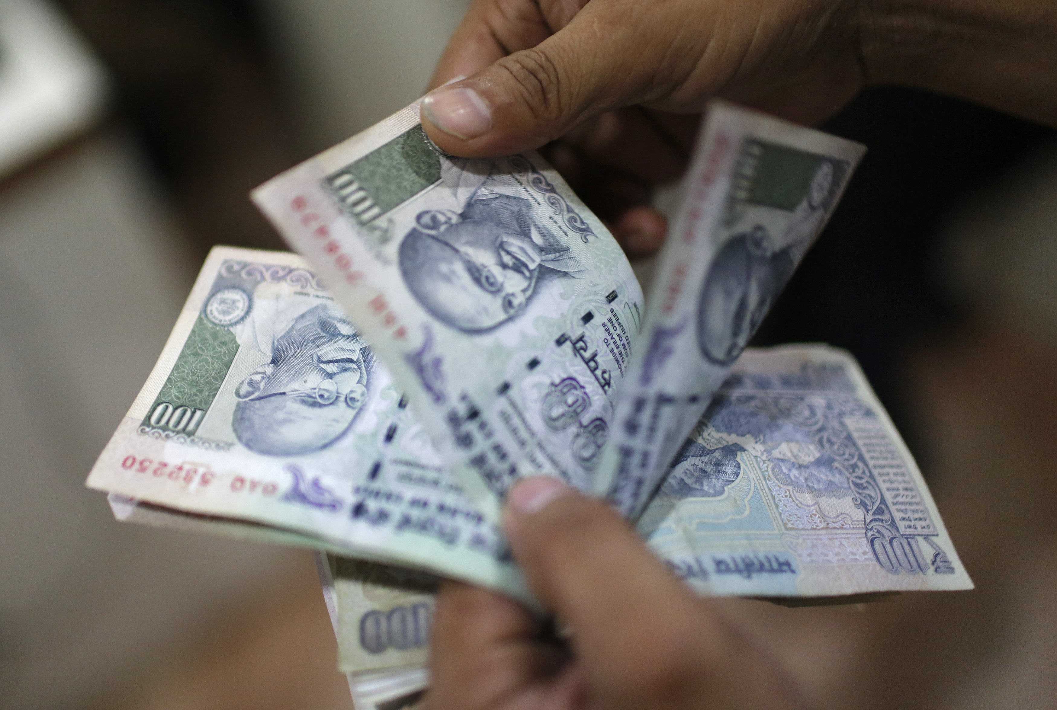 11cd15fb270 Snapdeal Is Offering To Deliver Cash At Your Doorstep. But Only If ...