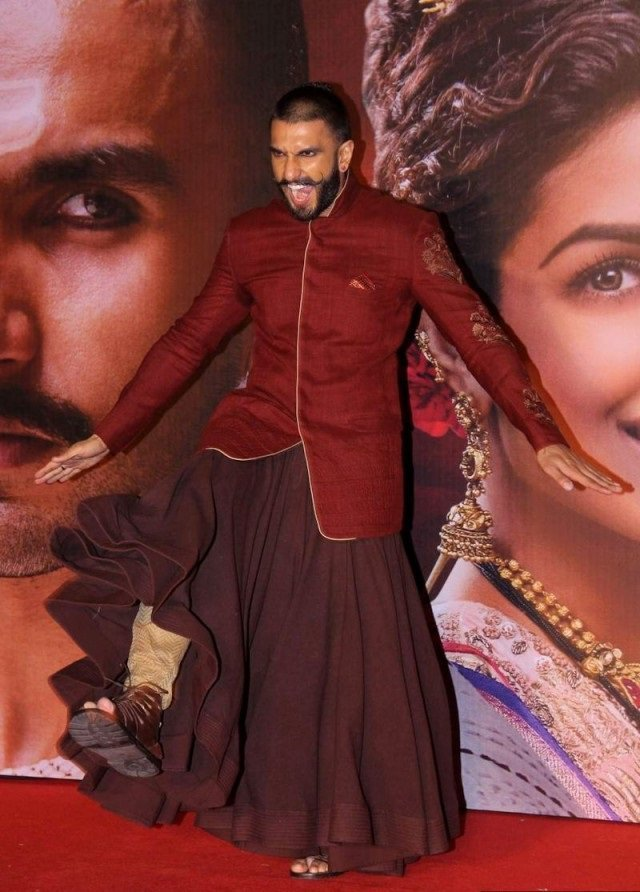 988403846 Ranveer Singh Dressing Style-24 Best Fashion Look of Ranveer Singh