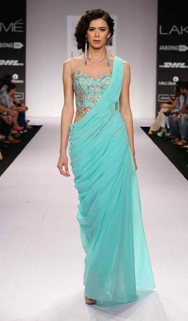 10 Offbeat Saree Draping Styles Which Will Make You a Star ...