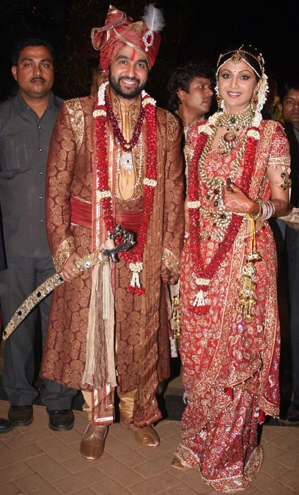 Here Are Some Amazing Wedding Photos Of Indias Most Popular Celebrities