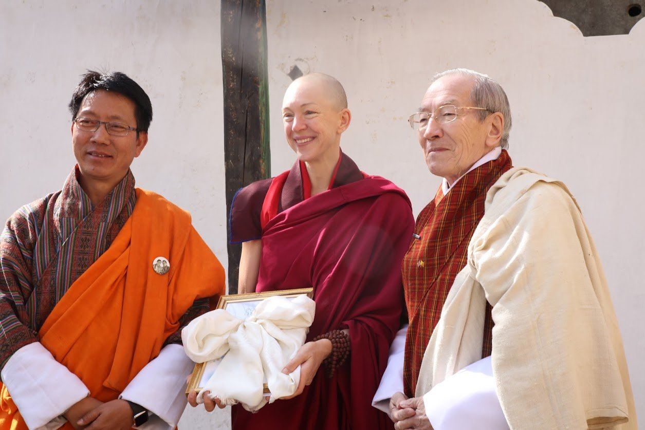 Banker Who Quit Her High-Profile Job To Become A Buddhist ...