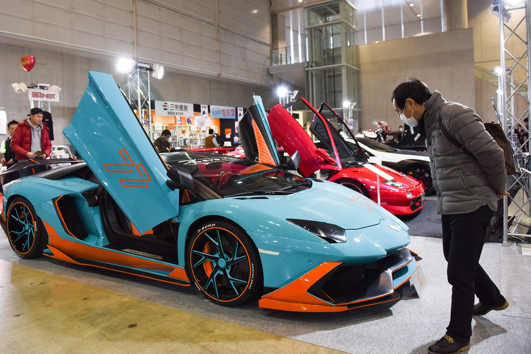 13 Crazy Photos From Japan's Stunning Car Show Which Prove It's Every Car Lover's Wet Dream