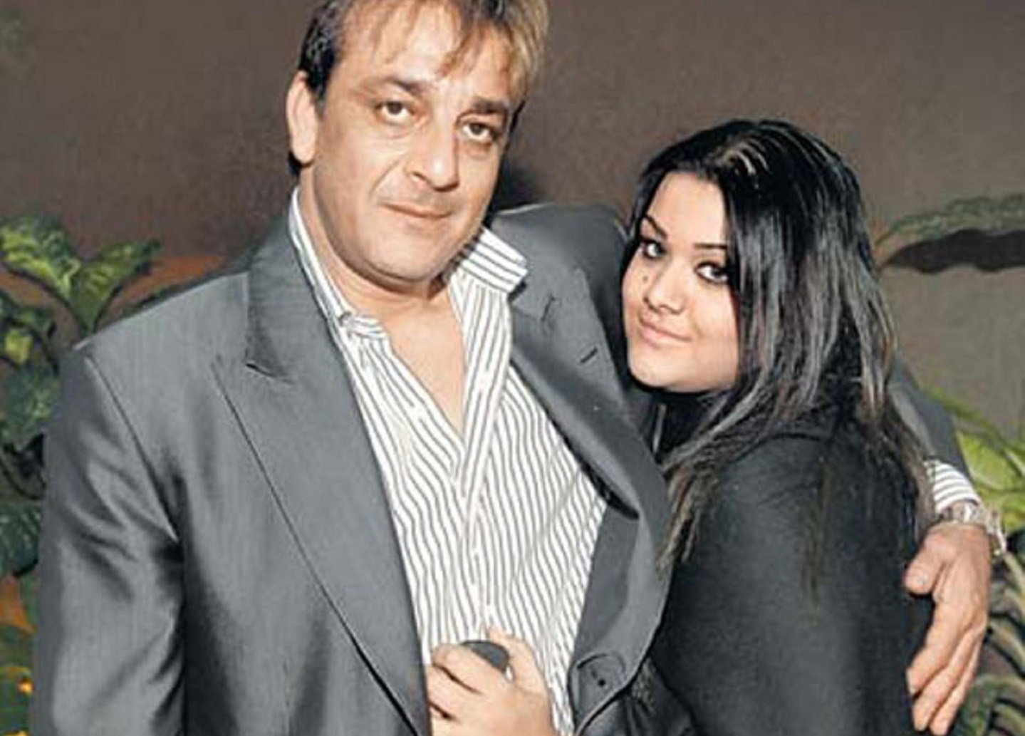 Image result for sanjay dutt daughter