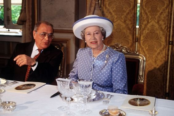 You will not believe the strange eating habits of the British royal family