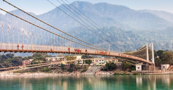 Unsafe & Beyond Repair: Rishikesh's Iconic 'Lakshman Jhula' Closes Down After 90 Years