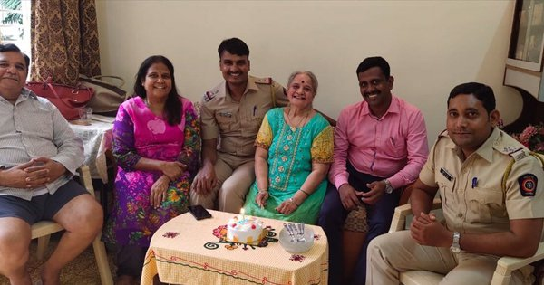 In A Sweet Gesture, Mumbai Police Celebrates Birthday Of A 77-Year-Old So She Doesn't Feel Lonely
