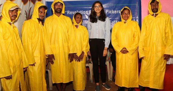 From Safety Gear To Raincoats, This Mumbai Teen Is Helping Ragpickers Survive The Ruthless Rains