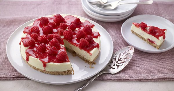 10 Simple Raspberry Cake Recipes For You To Try At Home