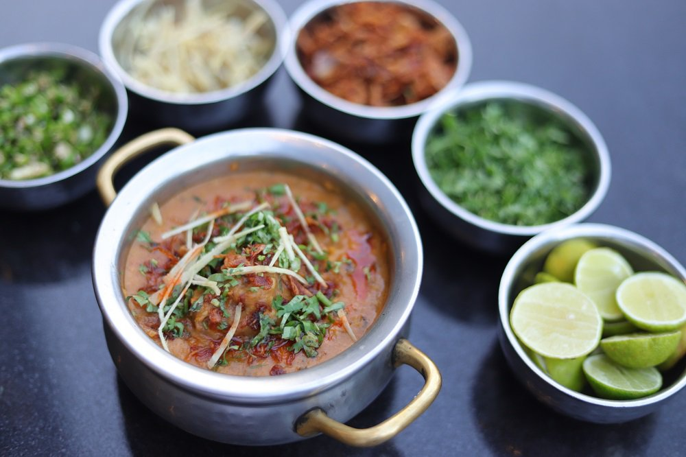 Mumbai's Mohammed Ali Road Is A Paradise For Food Lovers. Here's 15 Dishes You Should Try