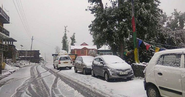 For The 1st Time In 11 Years, Lahaul-Spiti Get Snowfall In August. Several Tourists Stranded