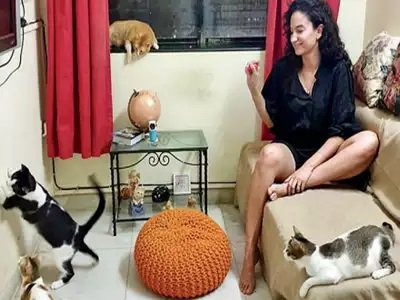 Elena with her cats