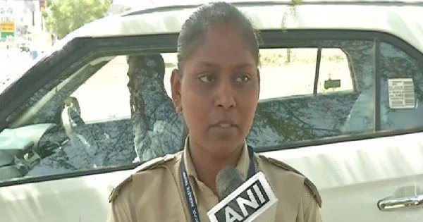 This Woman Cop Took Her 1-Year-Old Child To Work Ahead Of President Trump's India Visit
