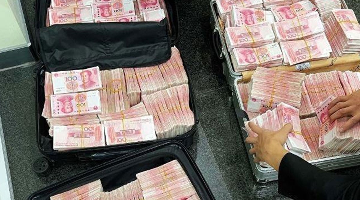 After Bank Staff Ask Millionaire To Wear A Mask, He Withdraws ₹5.8 Crore Makes Them Count It